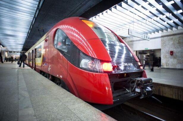 Utrudnienia w kursowaniu pociągów Kolei Mazowieckich i SKM (zdjęcie ilustracyjne)  ZTM