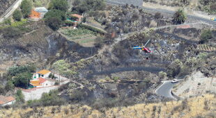 Pożary lasów na Gran Canarii (PAP/EPA/ELVIRA URQUIJO A.)