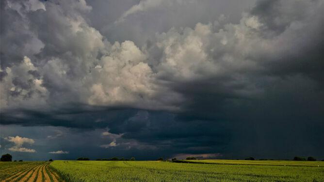 Pogoda na dziś: deszcz, burze, <br />do 27 stopni Celsjusza