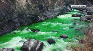 Zielona rzeka w Hiszpanii
